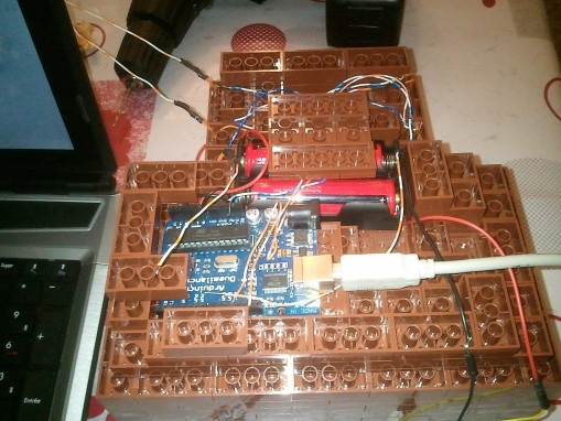 Fabrication d'une crèche lego avec un éclairage contrôlé par